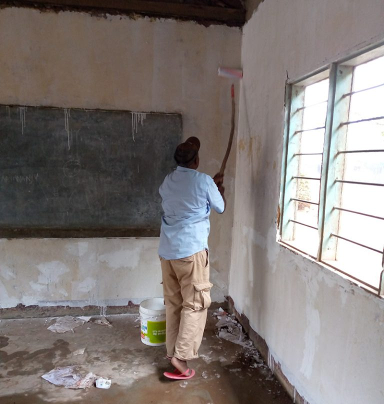 https://kili-bomaadventures.com/wp-content/uploads/2021/05/school-renovation-768x808.jpg
